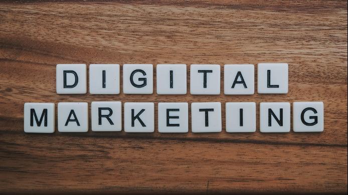 Une agence de marketing digital visé par des avis dénigrants sur sa fiche Google My Business