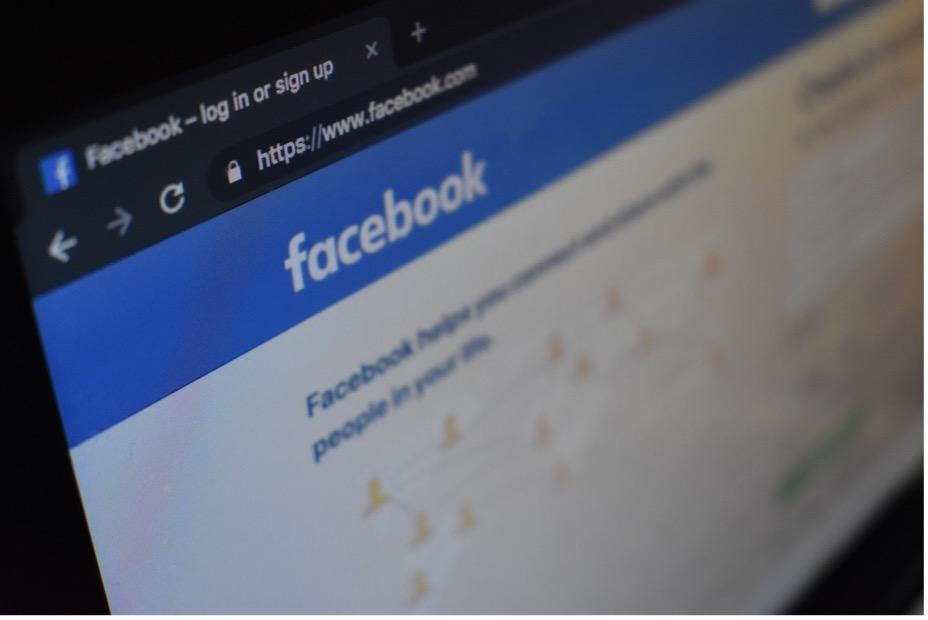 Suspension abusive d'un compte et d'une page Facebook
